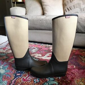 Hunter- Two toned tall brown rain boots